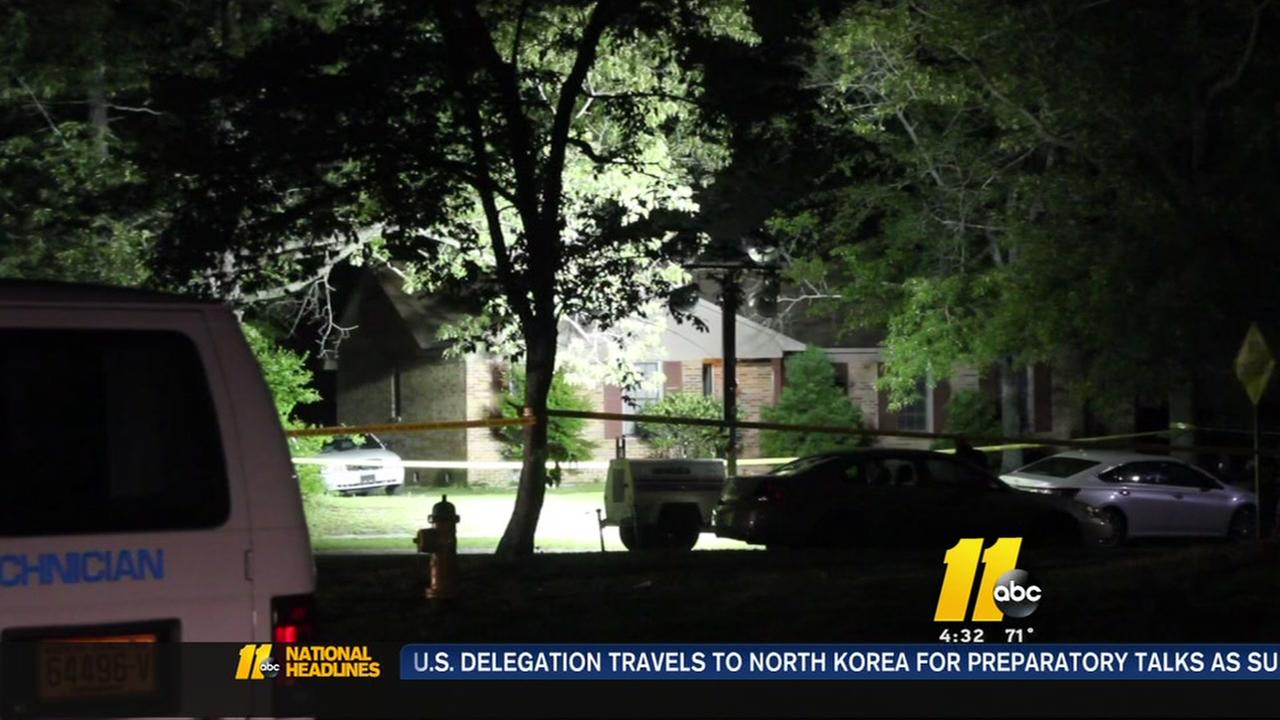 1 killed, 1 injured in overnight shooting in Fayetteville