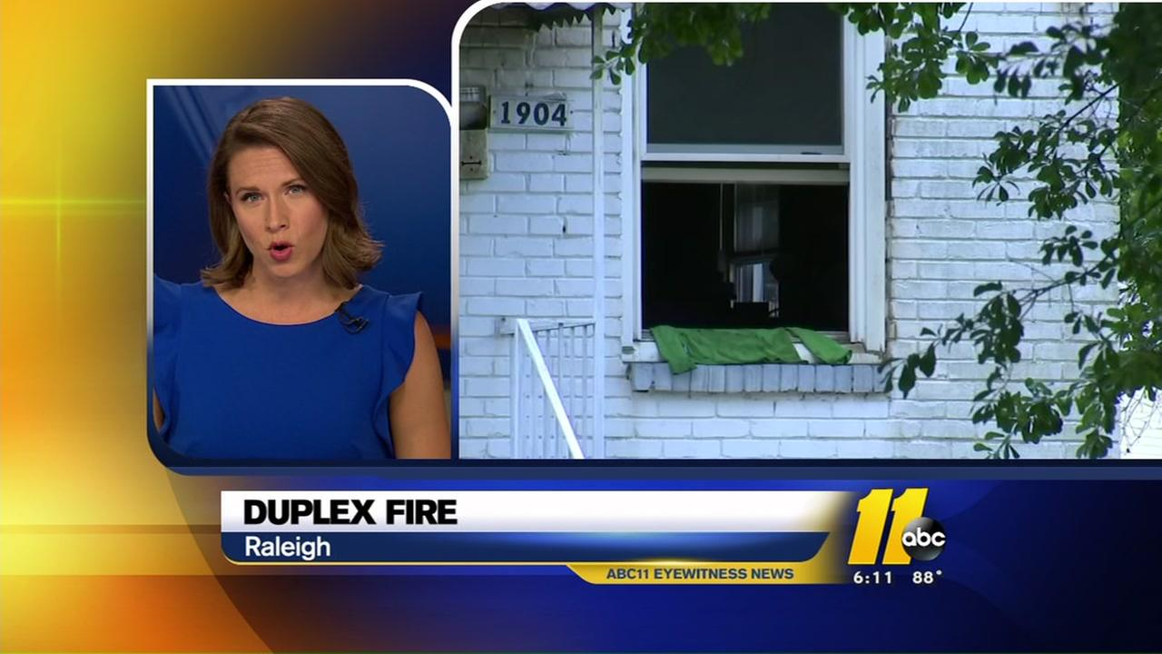 Raleigh firefighters investigating duplex fire that displaced 6 people
