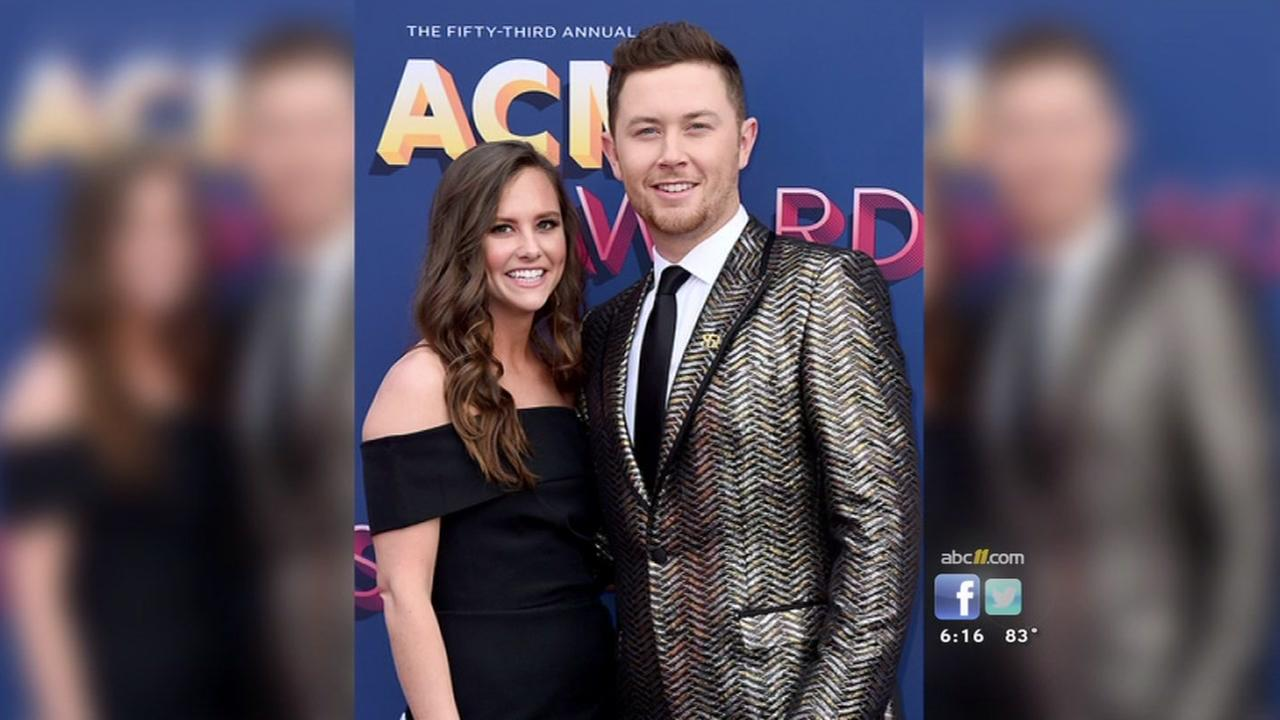 Scotty McCreery marries longtime girlfriend Gabi Dugal in North Carolina