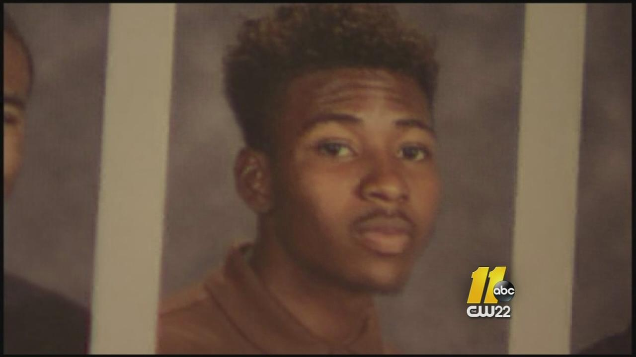 Fayetteville detectives looking into teens death
