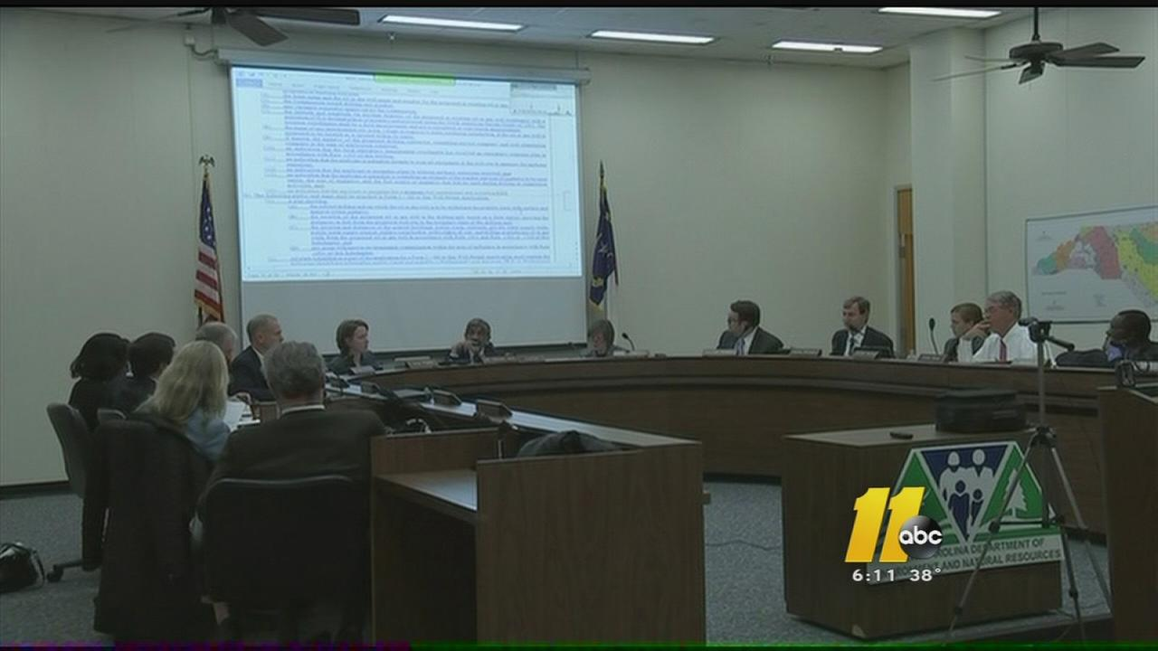 NC panel holds final discussion on fracking rules