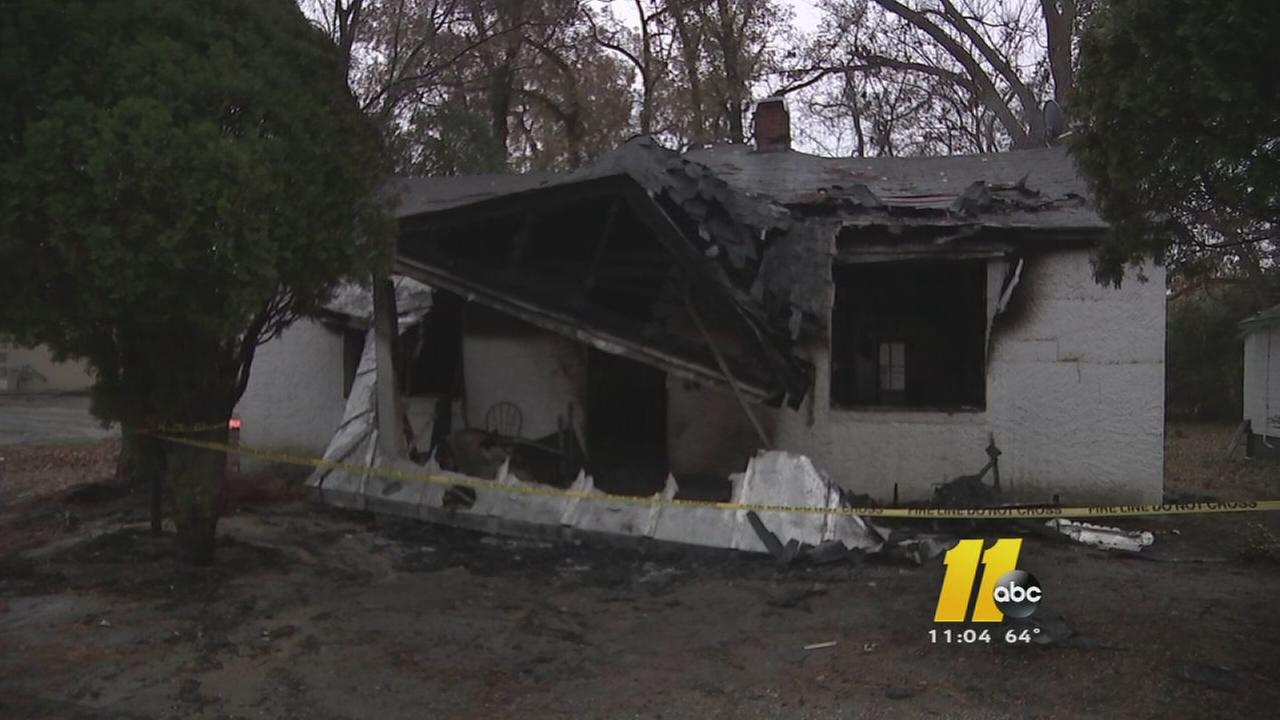 Woman killed in Fayetteville house fire