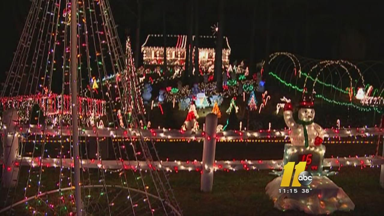 Clayton family wins on 'Great Christmas Light Fight' | abc11.com
