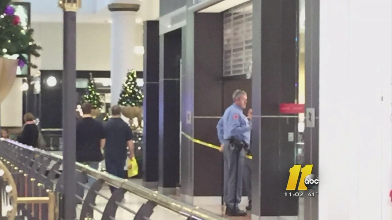Jewelry store robbed in brazen daylight heist in raleigh for Jewelry stores in fayetteville nc