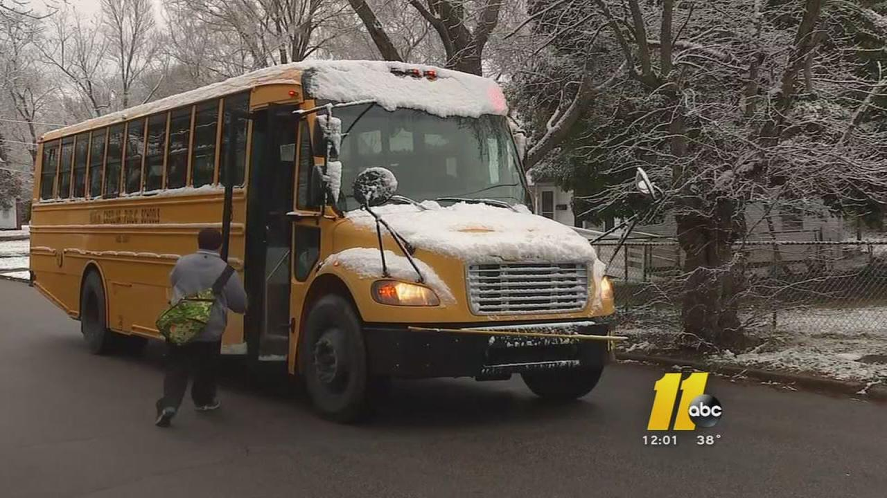 Schools delay as snow hits northern counties