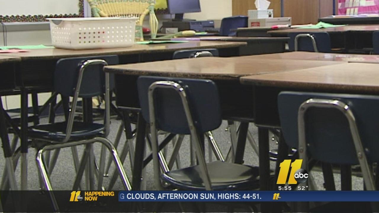 Educators encourage governor to invest in teachers