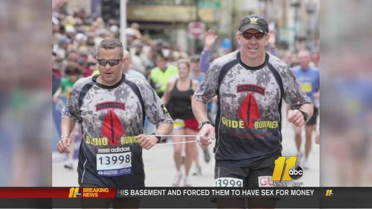 Blind soldier inspires marathon runners