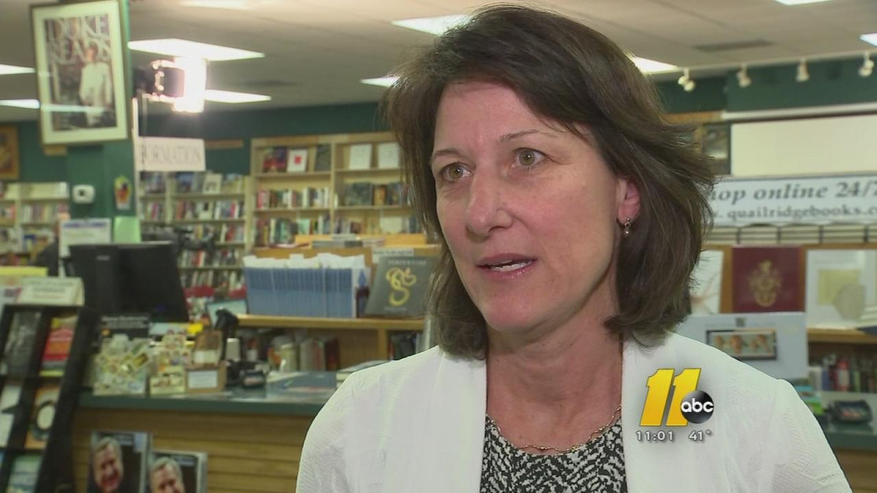 Mary Willingham holds first signing event for UNC academic scandal book