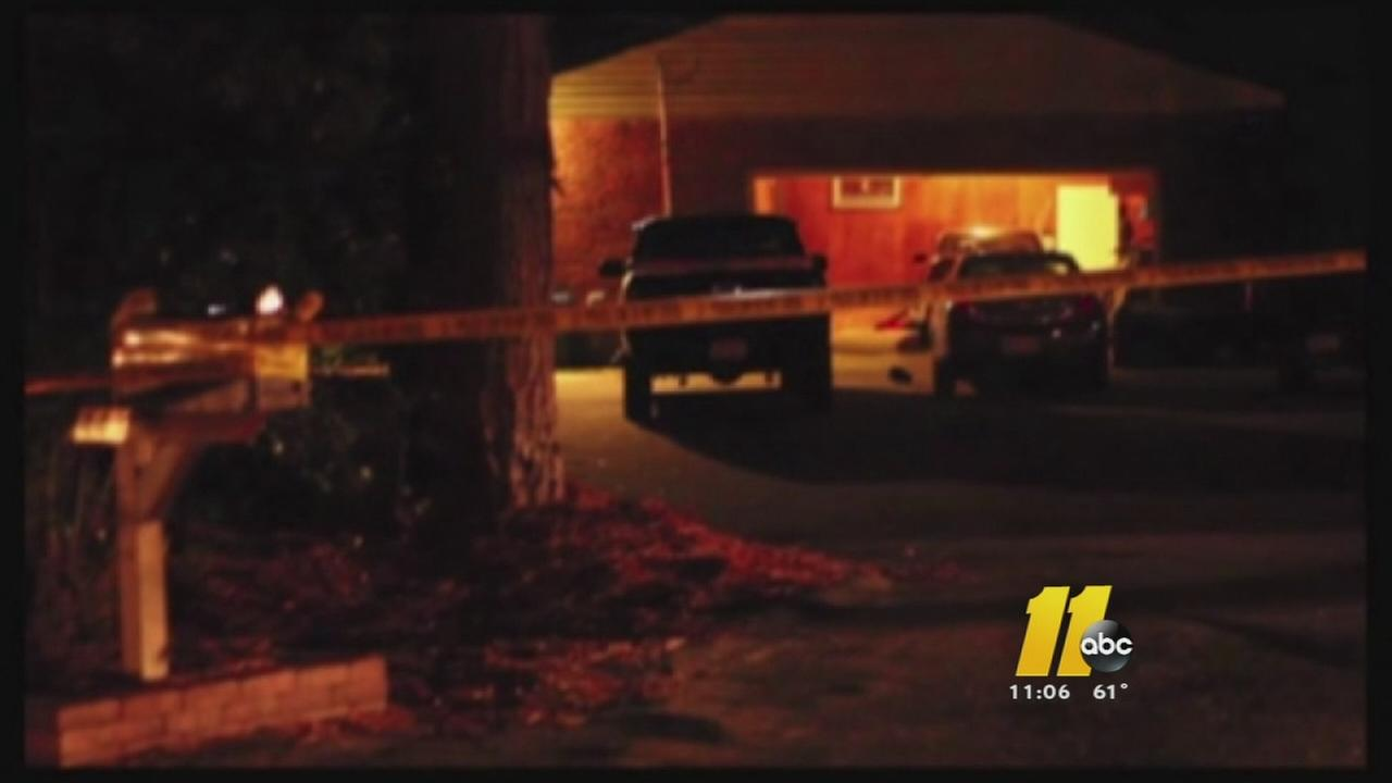 Man shot in Fayetteville during attempted robbery