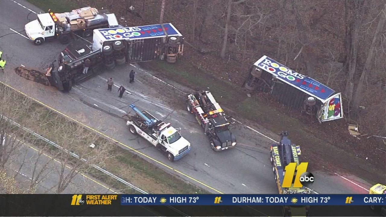 Overturned tractor trailer shuts down highway in Franklin County