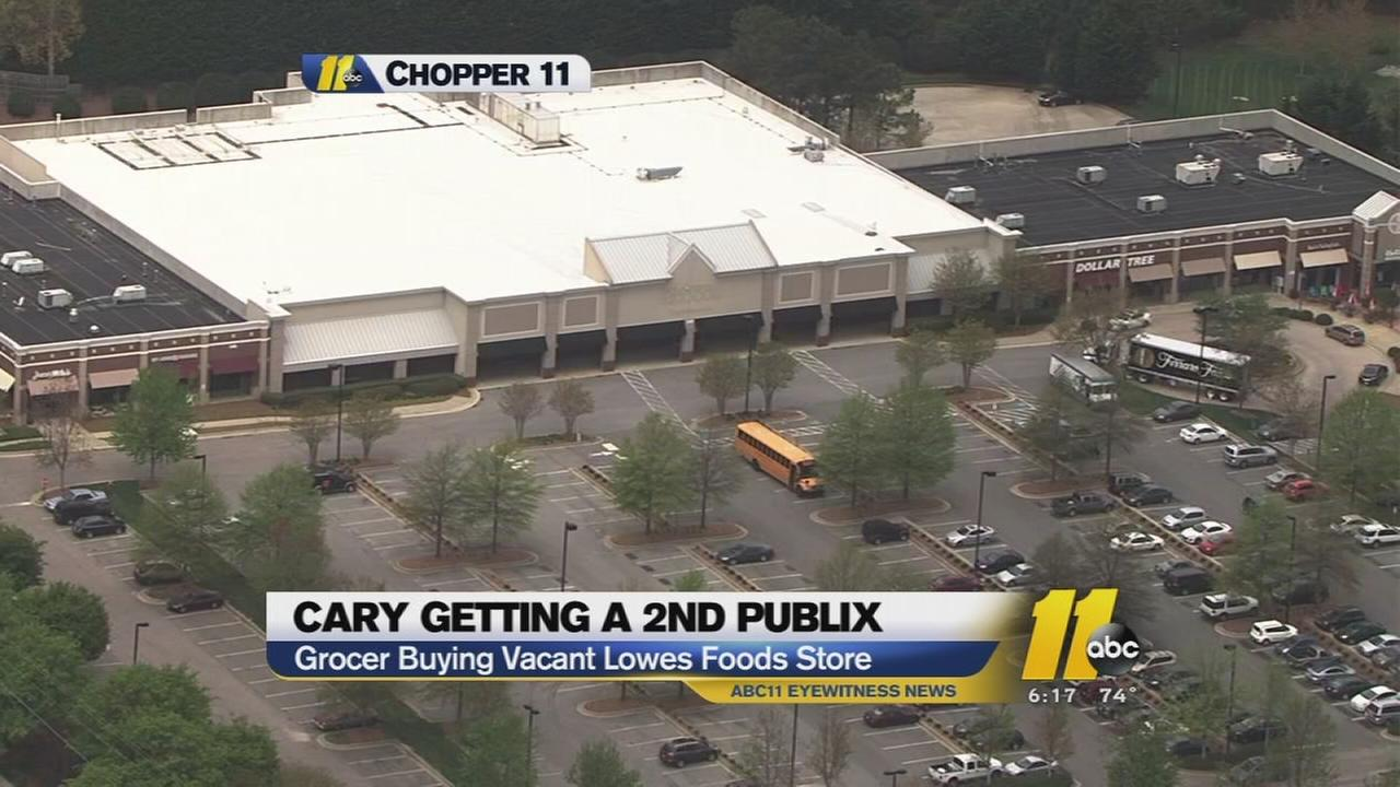 Publix to buy vacant Lowes Foods store in Cary