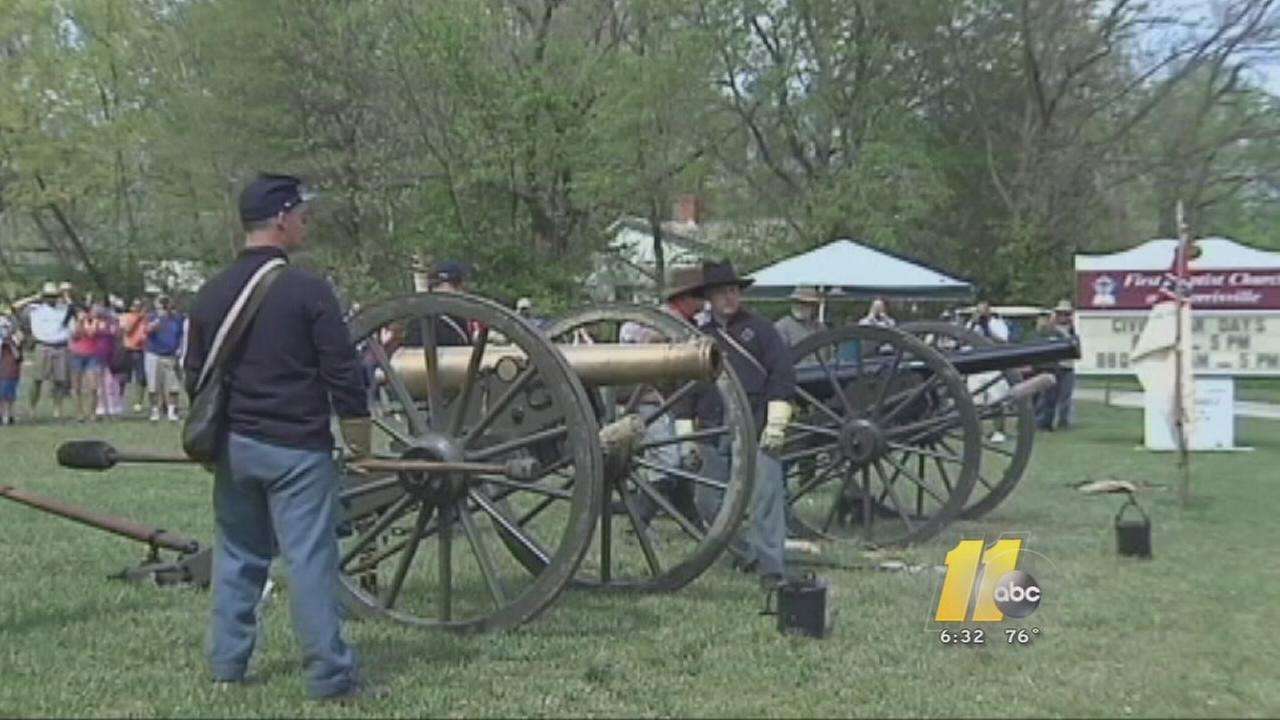 Cannons boom at Civil War reenactment