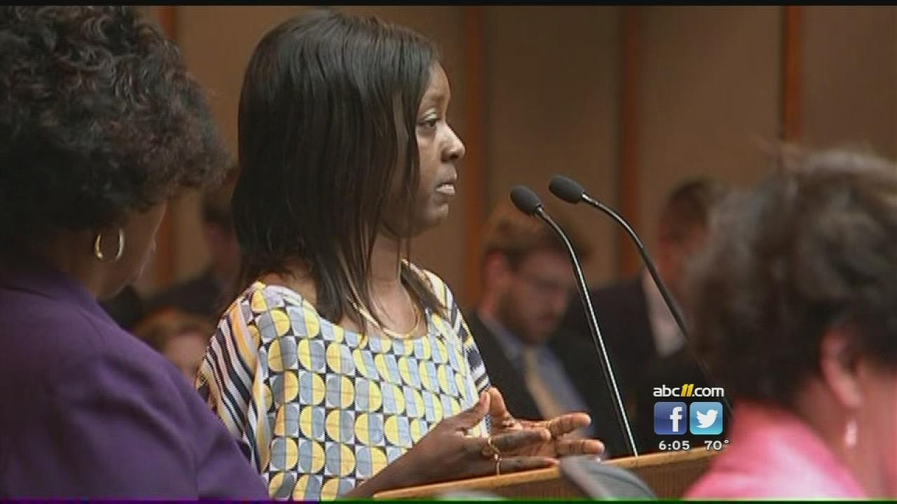 Mom talks to City Council about alleged racial bias at mall