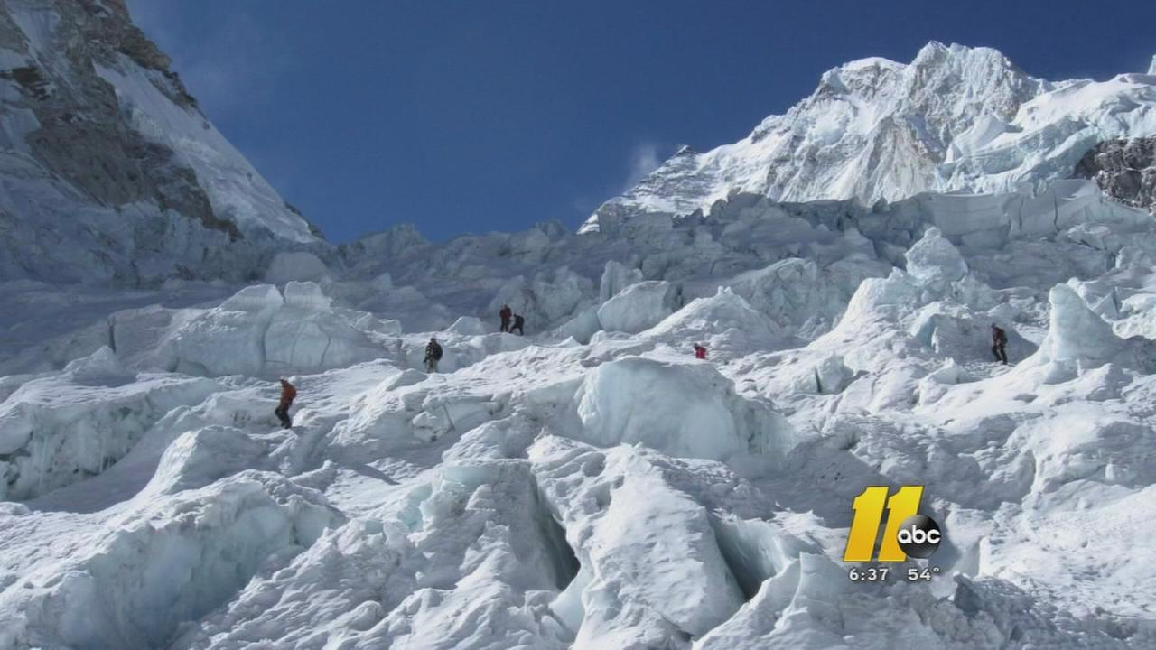 Man describes Mount Everest avalanche