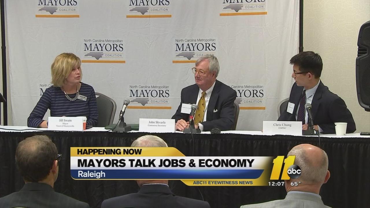 Mayors talk jobs in economy