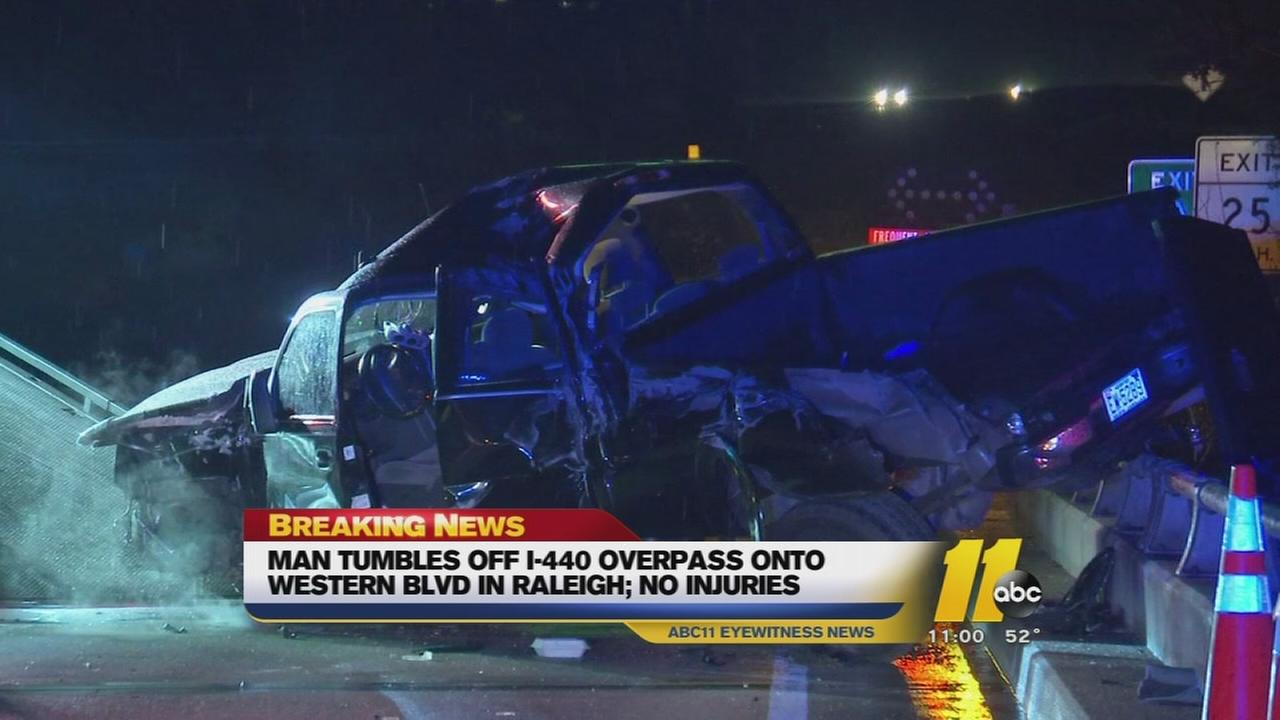 Man falls from I-440 overpas