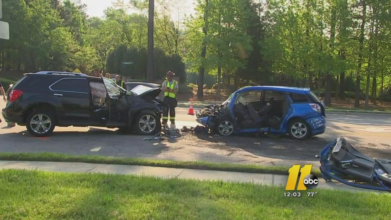 Two hurt in Apex crash
