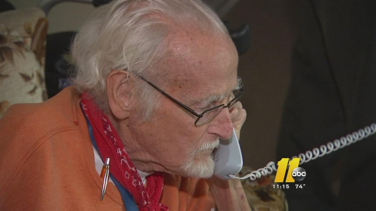 Elderly man calls 911 for food