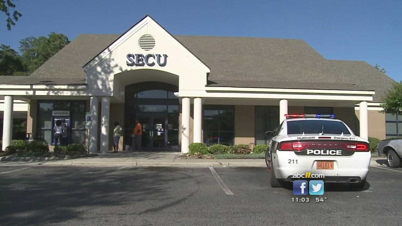Police investigate bank robbery