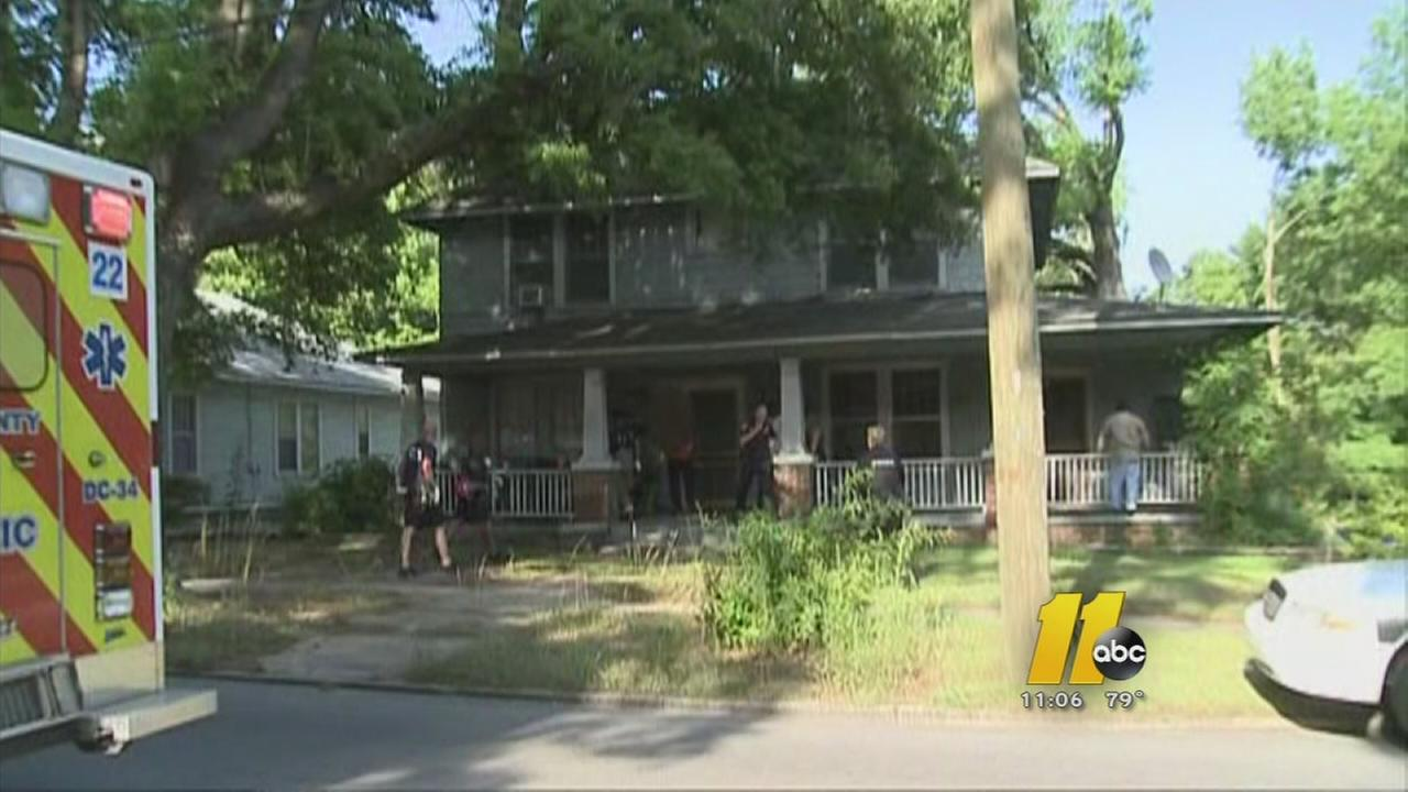 Police drive by shooting kills man on porch for Porch durham