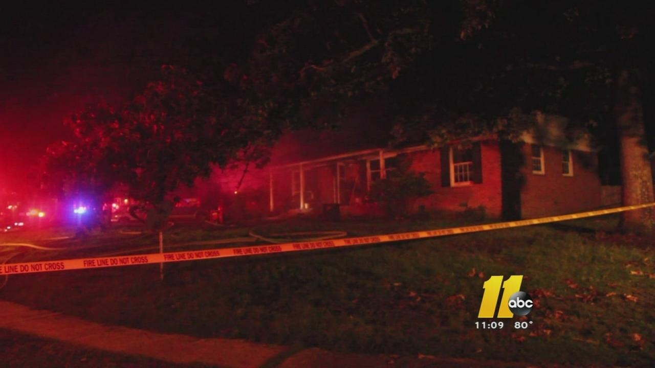 Man dies after Fayetteville house fire
