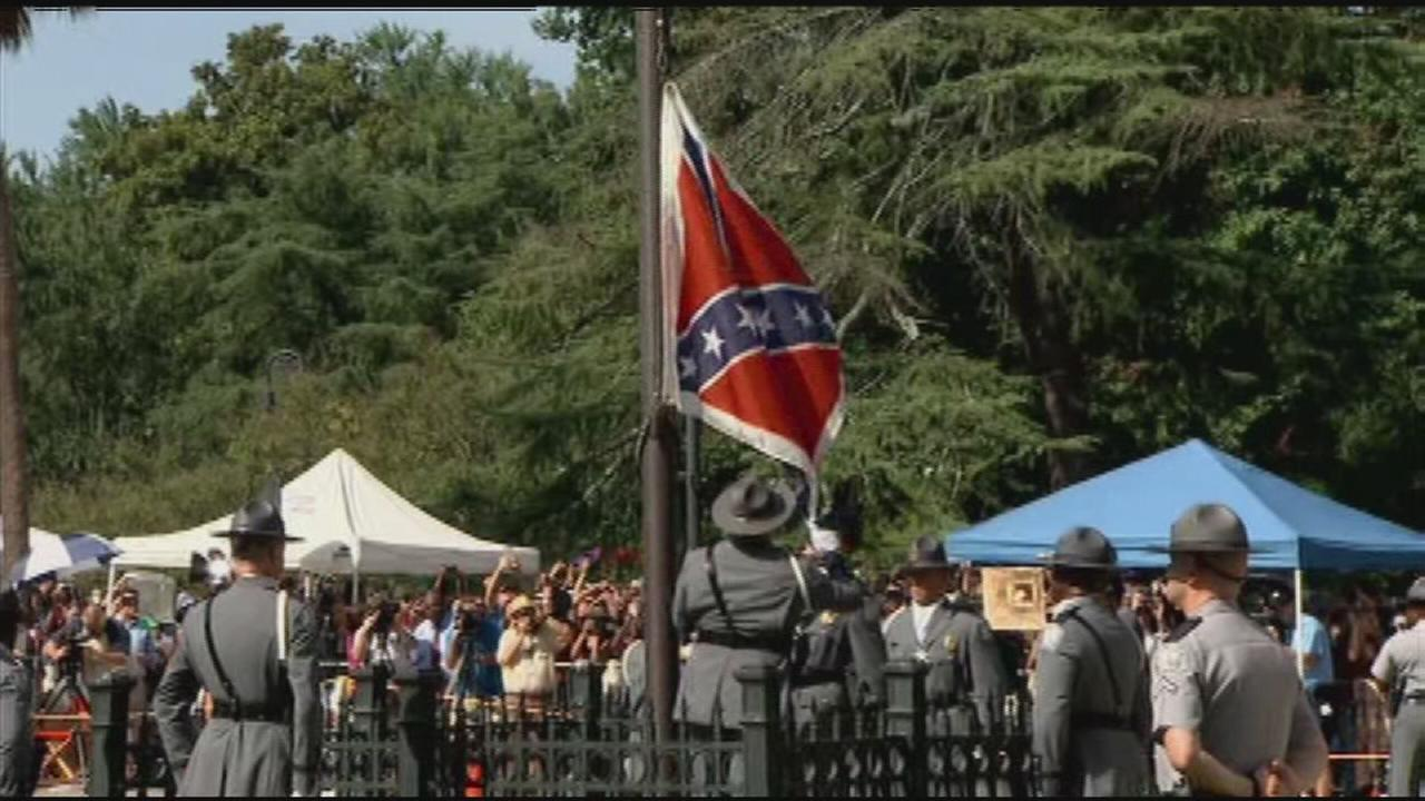 Raw Video: Confederate flag comes down in South Carolina