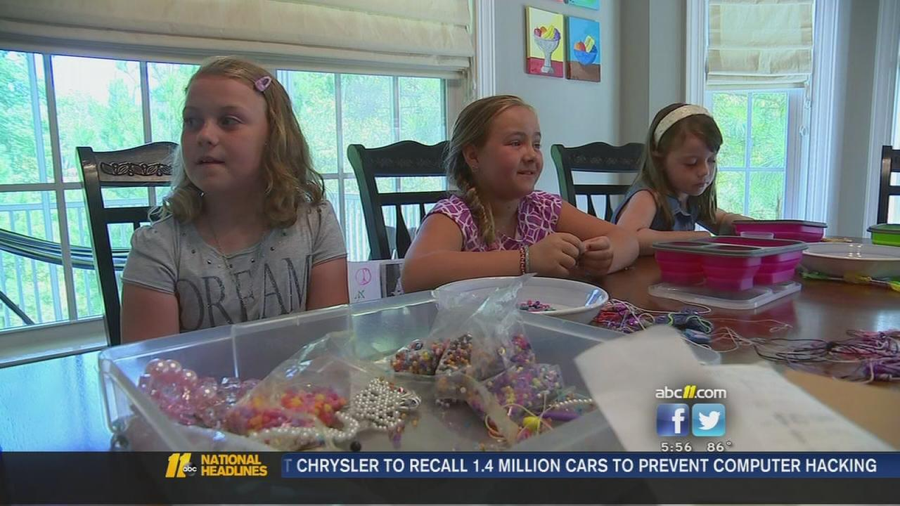 3 girls help raise money for friend with bone disease