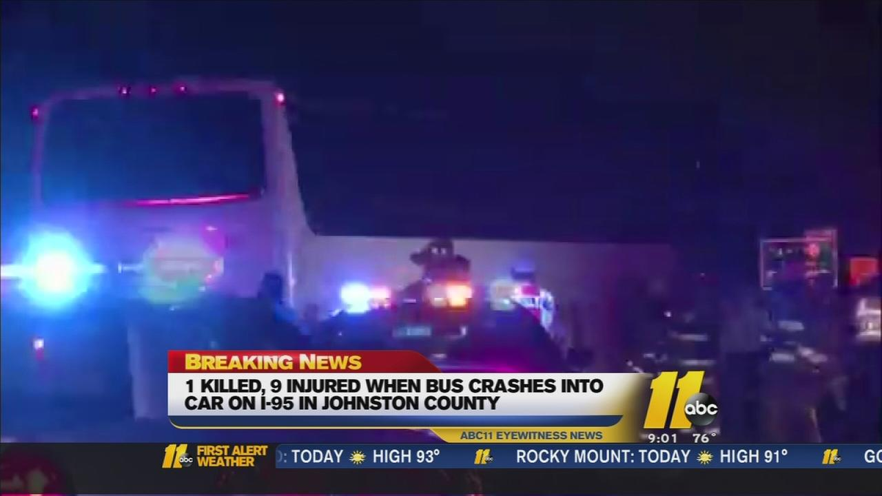 1 Killed, 9 injured in bus crash