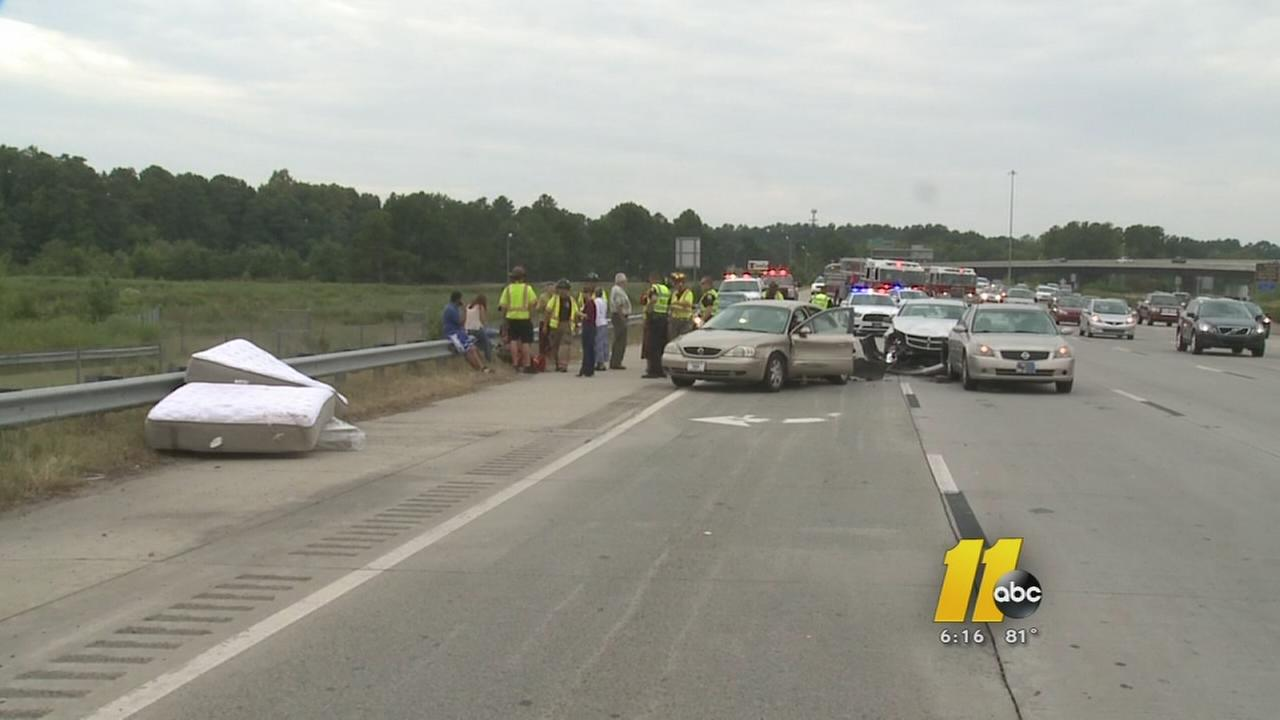 Multiple vehicle crash on I-85