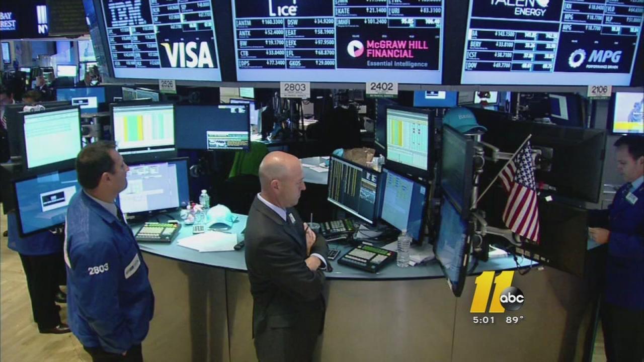 Dow Jones Falls 469