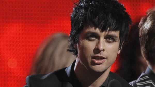 7Live: Billie Joe Armstrong booted over pants