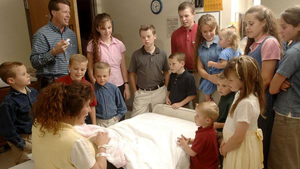 7Live: Hot Sheet: Duggars expecting; 'Where's Waldo?' flick