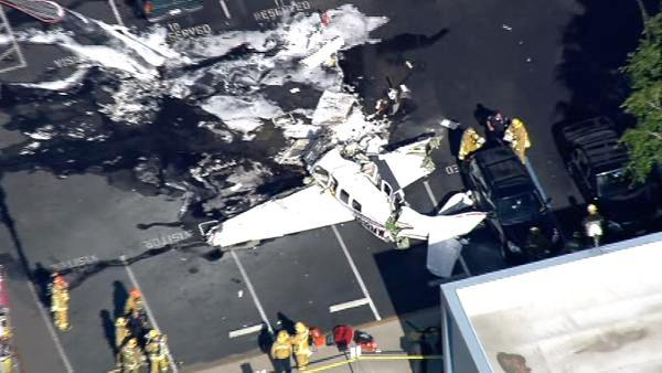 3 dead after plane crashes in Hawthorne