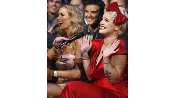 Joanna Krupa, Kelly Osbourne in audience at 'Dancing With the Stars,' Sept. 21, 2009
