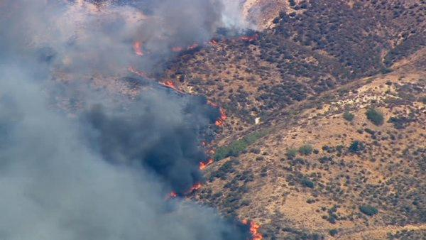 Guiberson Fire moves toward Moorpark