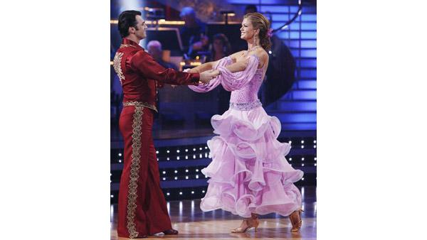 Kathy Ireland and Tony Dovolani perform on 'Dancing With the Stars,' Sept. 28, 2009