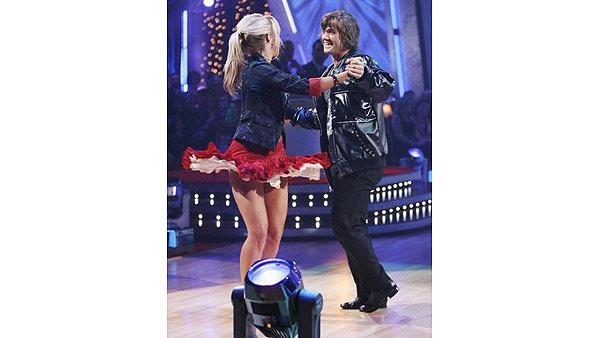 Louie Vito and Chelsie Hightower perform on 'Dancing With the Stars,' Sept. 28, 2009