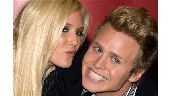 Heidi Montag and Spencer Pratt sign copies of their book 'How To Be Famous' at Borders Books in New York, Monday, November 16, 2009.