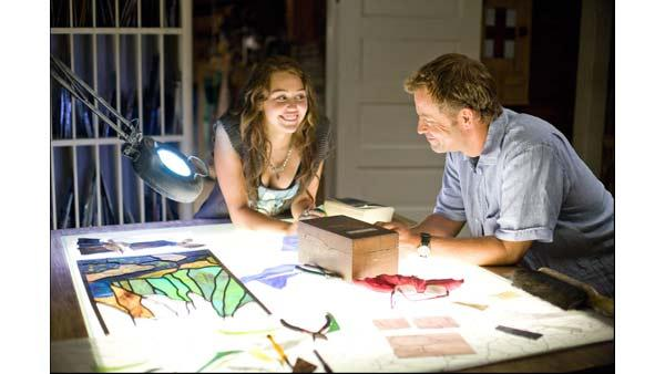 Miley Cyrus and Greg Kinnear in 'The Last Song'