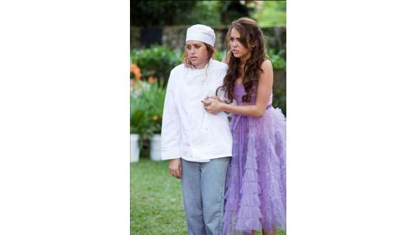 Carly Chaikin and Miley Cyrus in 'The Last Song'