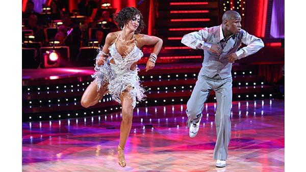 Professional boxer Floyd Mayweather Jr. earned ninth place on Season 5 of 'Dancing With the Stars.'