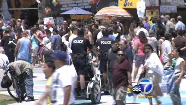 Nearly 70 people fight on Venice Boardwalk