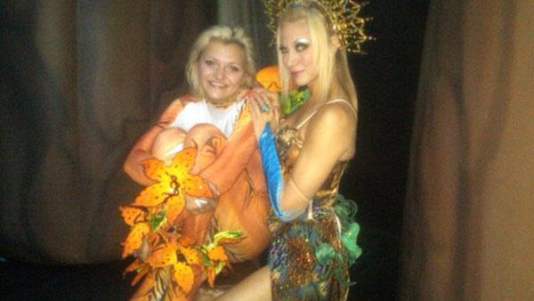 Debbie Gibson Tweeted this photo on Aug. 29, 2010, saying: 'W/Anna in Cirque Dreams!'