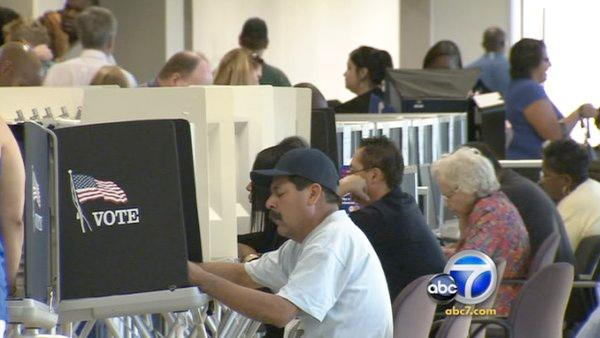 Feds monitor polls in Riverside
