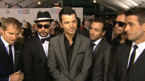 AMAs: New Kids On The Block w/ Backstreet Boys