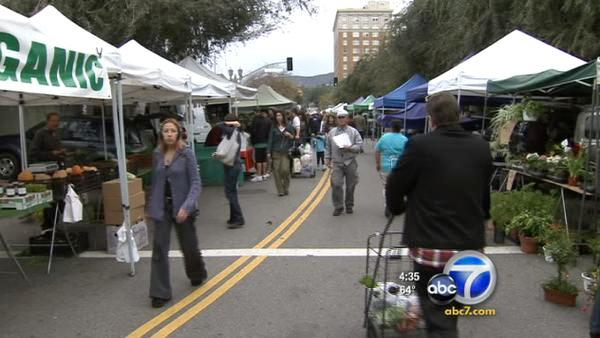 Permit issue threatens H'wood farmers market