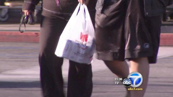 Santa Monica residents welcome new bag ban