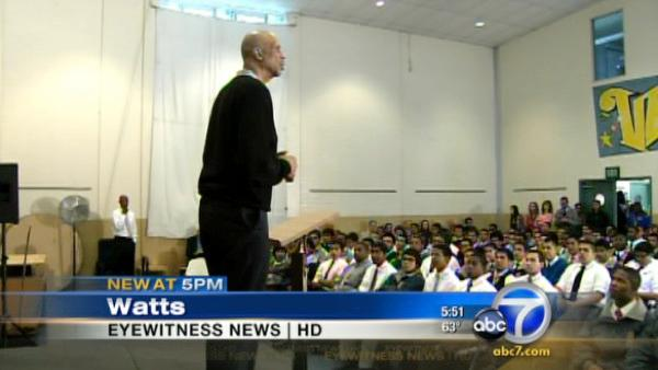 Kareem Abdul-Jabbar talks to Watts students