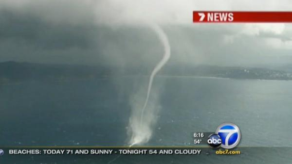 Incredible video of waterspouts in Australia