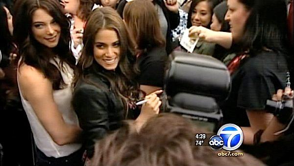 'Twilight' stars surprise fans at Comic-Con